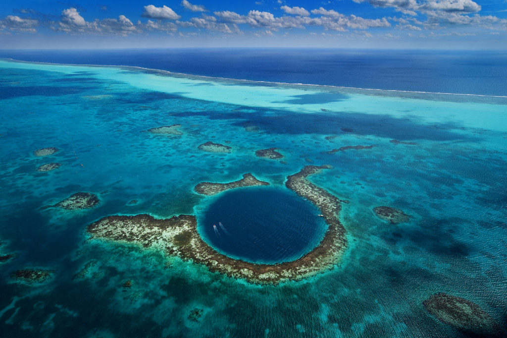 Mysterious Tracks of the Great Blue Hole have a Simple Explanation