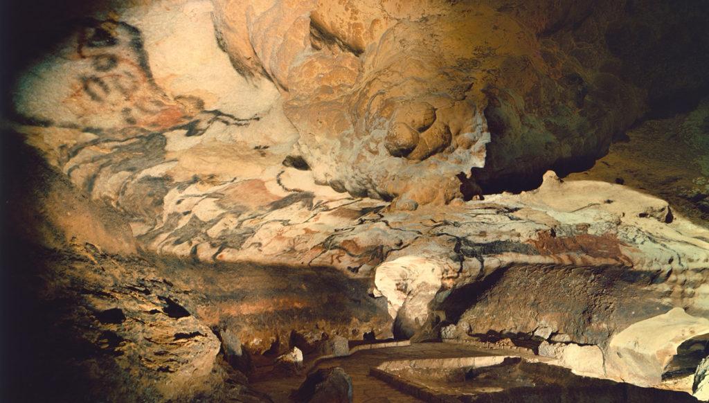Lascaux Cave - amazing places