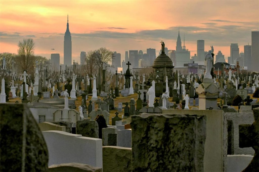 New York - Grave Space