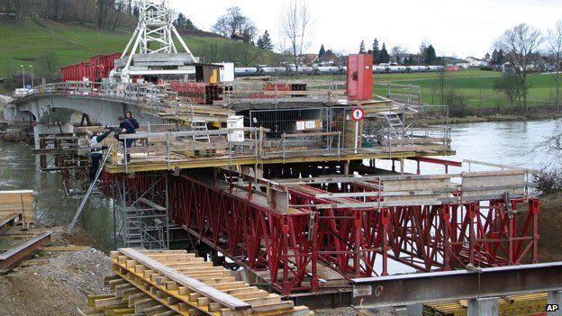 The Laufenburg Bridge Problem - Mathematical Mistakes