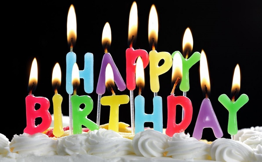 Candles on Birthday Cakes - Everyday Things